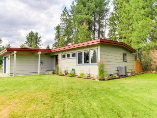 Charming, dog-friendly home w/ private hot tub, just four blocks from the lake!