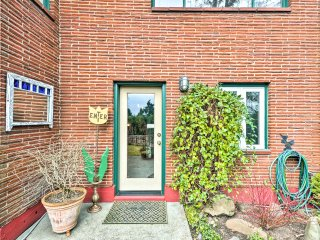 NEW! Cozy 2BR Portland Apt 5 Min. From Downtown!