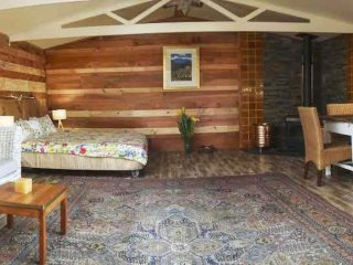 Boutique Farmstay (Serenity with Nature) - Self Contained Cabin