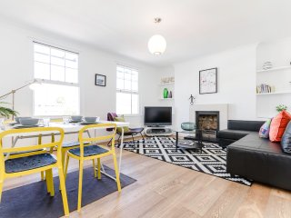 3 Bed Duplex in Shoreditch w/ Balcony