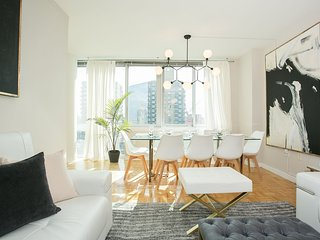 Lux 3 Bed Penthouse by Central Park+Broadway. Doorman 24hr, gym building.