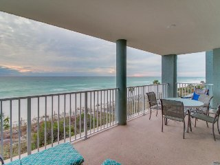 Oceanfront home w/ sweeping views, shared pool/hot tub & easy beach access