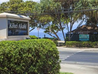 Remodeled 2 BD 2 BA Condo Split A/C Steps From Kam II Beach, Shops & Restaurants