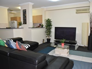 Massive 3 Level Apt in Pyrmont. Free Parking (25)