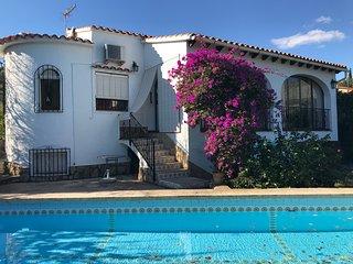 Vakantiehuis met zwembad en olijfgaard