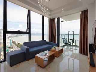 03 bedroom apartment with sea view