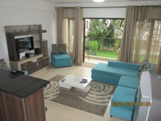 SPACIOUS AND COSY APARTMENT 110M 2- 3 BEBROOM FULLY FURNISHED