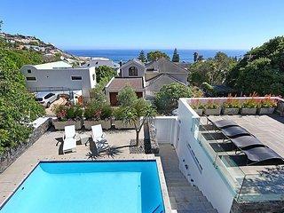 ROBINSON BEACH HOUSE - 150 Meter vom schönsten Strand Kapstadts in LLandudno