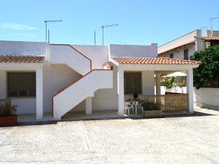 Villetta n°2 Residence Laguna Blue a 200 MT. dalla spiaggia dorata di S.Lorenzo