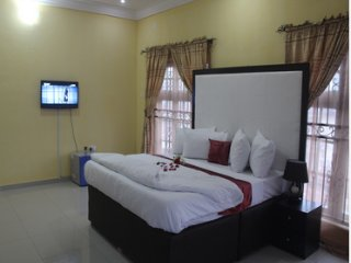 VINCHEE SUITES - #1 First Class Suites
