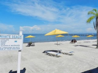 GETAWAY BEACH CONDO WITH TAMPA BAY VIEWS-1st FLOOR  #102