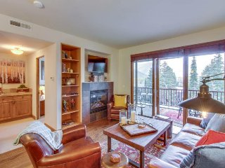 Updated condo in the heart of Ketchum w/ mountain views! Close to everything!