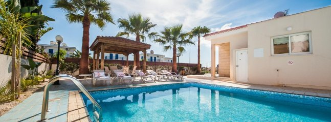 VILLA STEFANIE - 2 bed bungalow with private pool Ayia Thekla