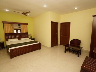 T. Nagar (Pondy Bazar), Krishna St., Deluxe Room