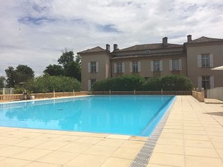 Holiday villa with shared pool in Lombez