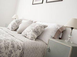Wonderful large bedroom