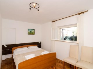 Apartments Nino - Studio Apartment with Terrace A2