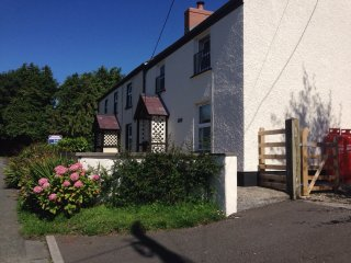 2-bed Cottage near Amroth and Narberth