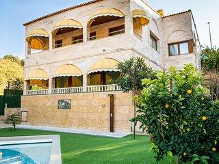 Villa ECOGEOSOL 100 metros de playa Fenals.