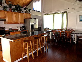Wind Jammer #154- Classic oceanfront, 5 sleeping areas. Sleeps 14.