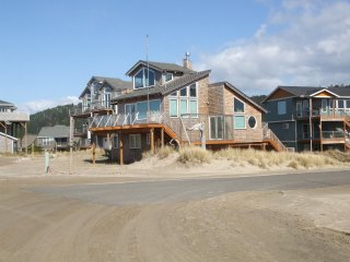 Captains Nest #134 -  Lovely, large classic beach home with great location and v