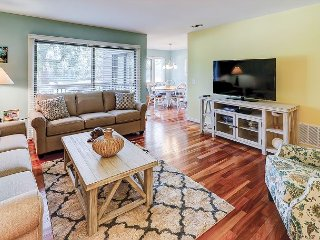Redesigned 2BR Sea Pines Villa w/ Pool, Beach Access & Golf Course Views