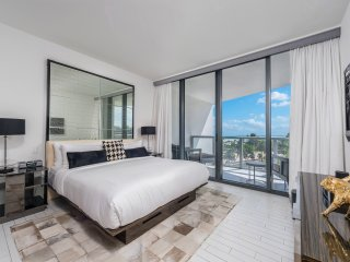 W South Beach Private Residence Chic Ambience Beachfront -514