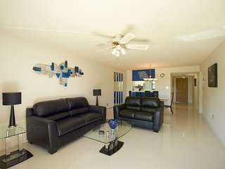 Groundfloor...Completely Renovated...Right on Beach...Modern