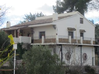 LA Paransa, lovely traditional Spanish country house with pool