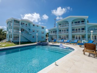 Beautiful Beach Condo - Sea Views + Pool (B2)