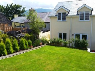 Ashcoast House. Dog friendly self-catering holiday cottage in north Snowdonia.