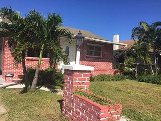 West Palm Beach - Beautiful Home (new listing!)