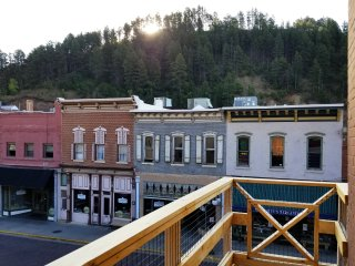 Nyes 1880 Suites Main St. Deadwood, SD