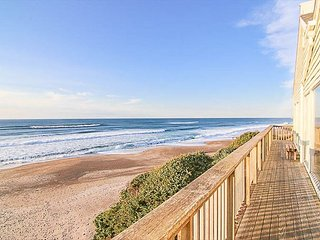 Private Beach Access, Indoor Hot Tub in this Oceanfront Retreat for 26!