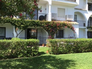 "Nr La Cala, El Faro 'Casa Miel"" Ground Floor 2 bed apartment with communal pool."