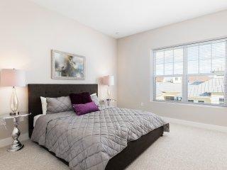 Summerville Resort - 6 Bed/7 Bath Townhome (SMV117)