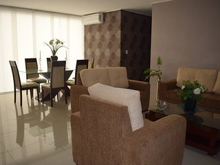 Beautiful 3 bedroom-furnished apartment