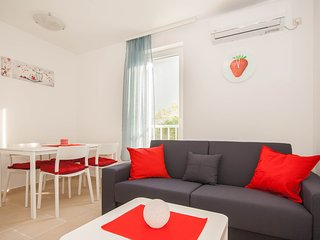 Mimoza 7 - Beautiful new 3* apt  for 4 close to the beach