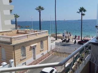 Front de mer Appartement à 50m de la plage Juan Les Pins