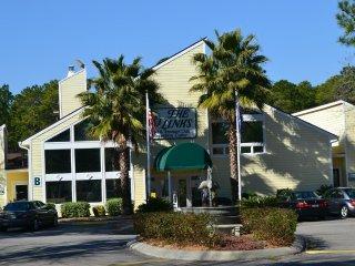 The Links Golf & Racquet Club