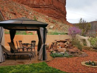 NEW LISTING! Exceptional House at the Heart of the Golden Circle in Kanab UT