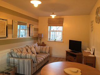 Holiday Apartment to Let with shared pool in The Bay, Hunmanby Gap, Filey