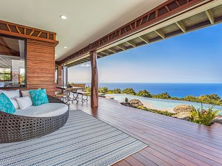 'Aolani House' Resort Style Home W/ Ocean View Sleeps 8