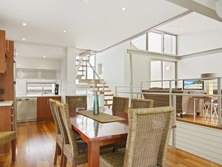 Mollymook Townhouse - Shepherd Street 3/13