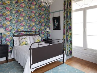 St Claire Guest House - Teal bedroom