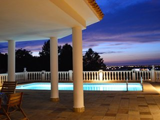 200361 3-bedroom villa, sea view, private pool,partly airco, beach & centre 3 km