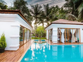 Luxurious Private 4bhk Villa with Swimming pool