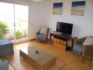 Fabulous Sea Views at HIGHLY RATED Marina Golf Villa, free wifi!