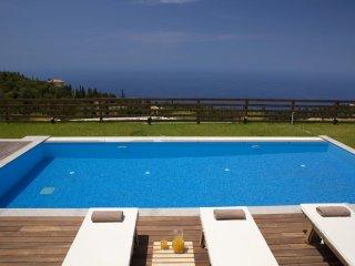 Luxury Villa Irida, exciting sea and sunset views