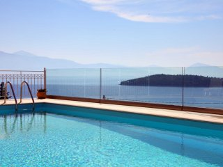 Pool and sea view of Villa Myrtis